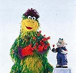Bazyli and Beata in the Polish co-production Ulica Sezamkowa. © CTW. Sesame Street Muppets © Henson.