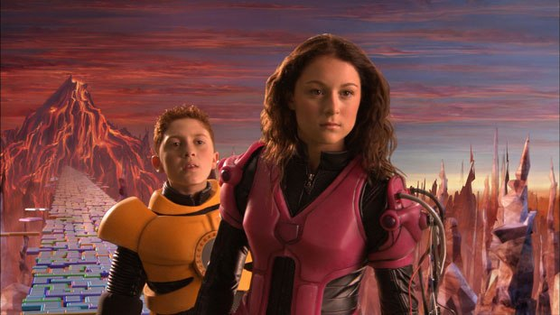 Daryl Sabara and Alexa Vega as the titular (and soon to be glandular) Spy Kids.