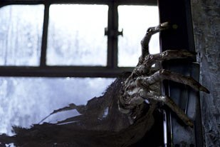 ILM developed the Dementor and had to match the creatures movements to underwater tests.