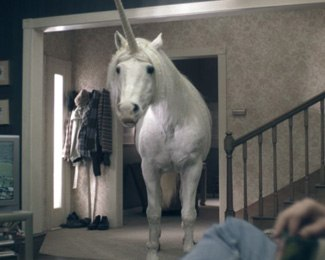 For the unicorn, The Syndicate composited footage of the horse shot in the living room set and added animated mouth manipulation, nostril flares, cheek puffs and eye movement. © 2005 Diamond of California.