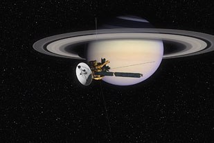 Cassini/Huygens approaching Saturn just before Saturn Orbit Insertion.