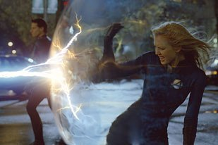 Making Sue Storm invisible was a design issue addressed by Stan Winston Digital. She doesnt actually disappear, but instead bends light.