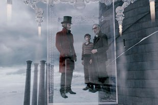 Cinesite created the elevator sequence by shooting the actors in a glass set in front of a bluescreen. This way the reflections and refractions are real. Digital doubles had to be used for the shots in which the elevator zips at high speed.