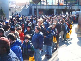 Fans line up in the cold to enter the land of coolness inside New York Comic-Con. All photos courtesy of Joe Strike.
