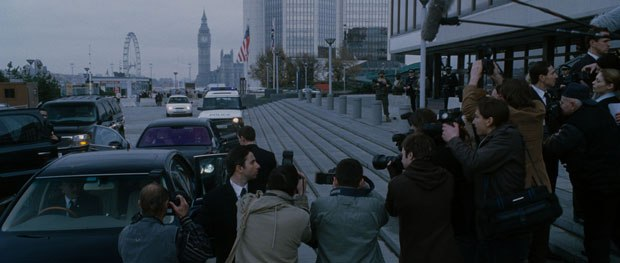 Cinesite created 2D matte paintings to place the action in London.
