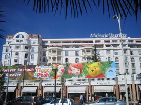 Buena Vista TV Int'l (Disney/Jetix) placed loads of advertising outside the hotels on the Croisettte.