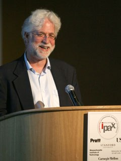 AWN's Ron Diamond delivered the keynote speech this year at the IPAX dinner.