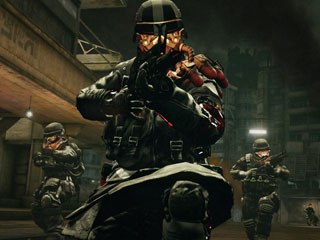 In keeping up with the Call of Duty standard, Killzone 2 features an online mode that makes players think war strategy in addition to fighting.