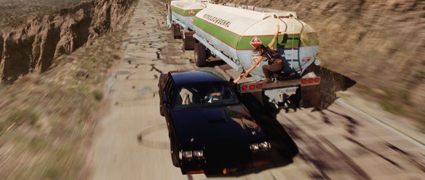 Based on several freeways in California with a Dominican Republic-feel, the chase scene was meant to look constricting and dangerous.