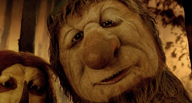 Framestore, under the supervision of Daniel Jeannette, enhanced the expressions of the Wild Things. However, to keep the look and performances real, they only did the movement of the face in CG.