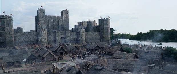 The production's football field sized set provided the starting point for MPC and in post alternate digital extensions were also created to reuse the set three times as different castle locations.