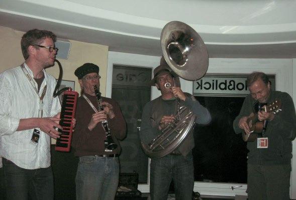 Jamming at Cafe Schlossberg - Martin Kennedy, Nik Phelps, David Silverman and Alexei Alexeev