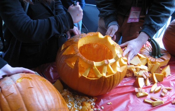 A bit of Canadian pumpkin carving craftwork. None of the carvers should quit their day jobs.