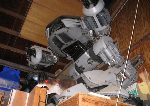 The huge evil robot model ED-209 from RoboCop just sits alone up in the rafters. It has no one to play with.