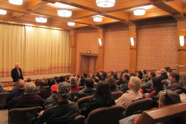 Ron introduces the screening for the packed ASIFA-SF screening.