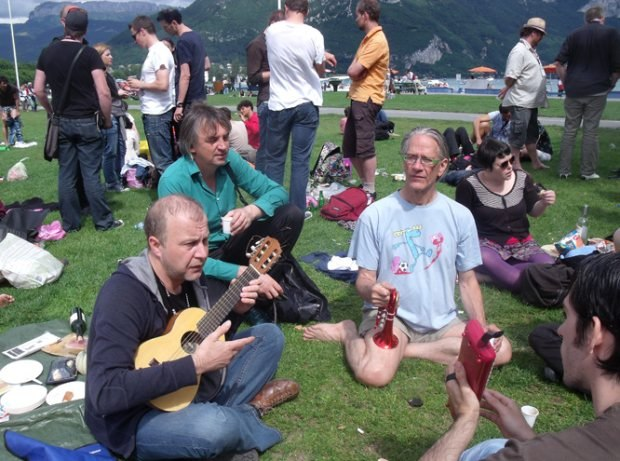 The Annecy + band at the Saturday picnic.