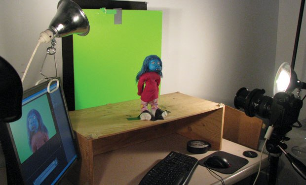[Figure 9.27] Set-up for stop-motion against a green screen.