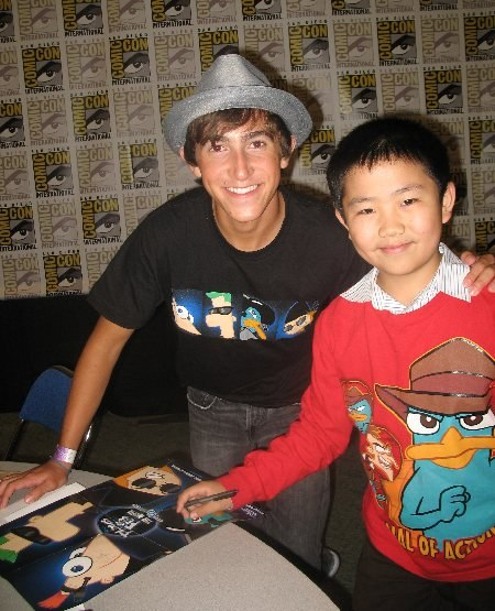 Perry Chen with Vincent Martella (voice of Phineas) at Comic-Con (photo by Zhu Shen).