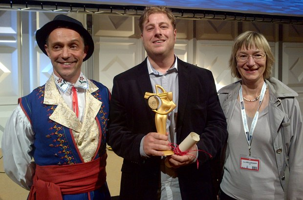 Christophe Erbes, MC of awards, (l-r), Torben Meier, founding partner of Studio Soi, and Irene Wellershoff, ZDF Department Children and Youth, Head of Fiction. Image courtesy of Catherine Branscome-Morrissey.