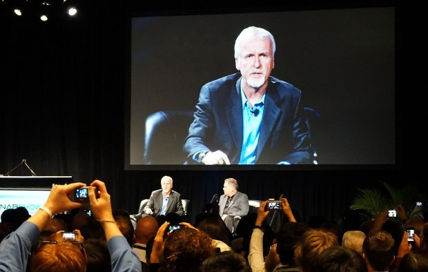 Figure 03. James Cameron and Vince Pace talk about 5D production.