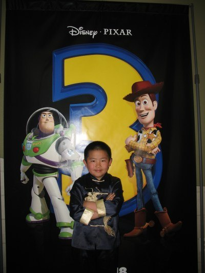 Perry with Woody and Buzz at Toy Story 3 preview screening.