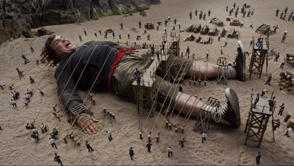 Gulliver's first appearance in Liliput required a Massive effort by Weta. Images © 2010 Twentieth Century Fox Film Corp.