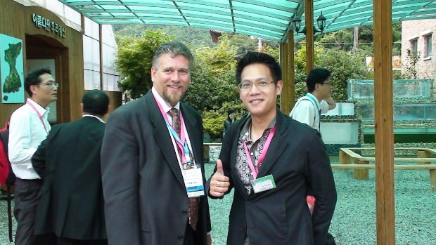 "Frank Lunn with Kritbodee ""Golf"" Ruengrujira at ACE Fair 2010."