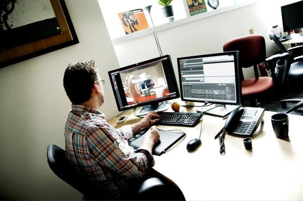 Jon Cowley, VFX Supervisor at Prime Focus Vancouver, working on VFX shots in Shotgun