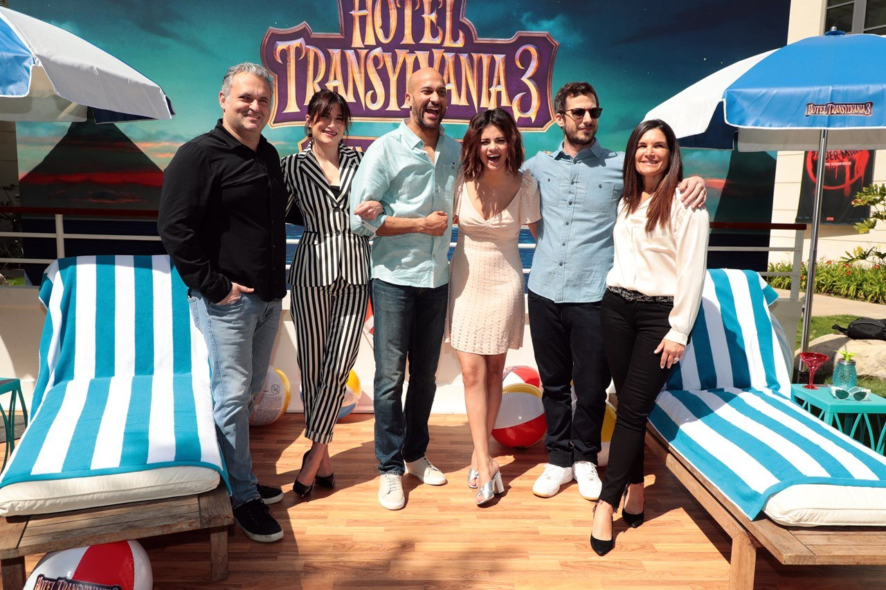 Genndy Tartakovsky Previews Hotel Transylvania 3 Animation World Network