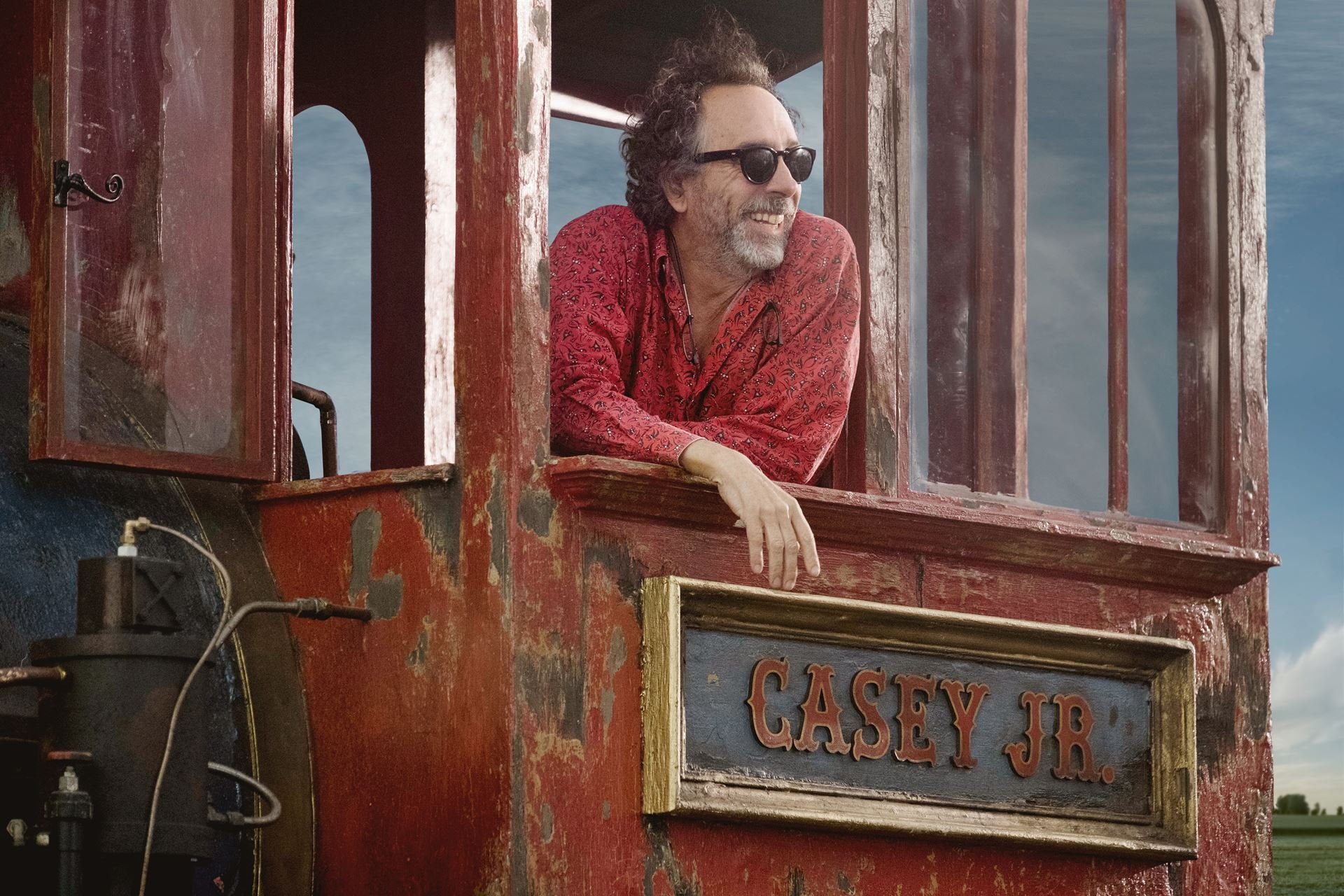 Tim Burton's Live Action Dumbo Remake Confirms Amazing A-List Cast
