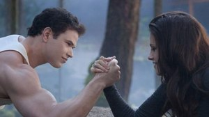 Box Office Report: 'Twilight', 'Skyfall' Dominate Holiday Weekend